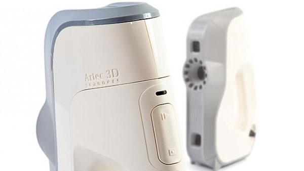 scanner 3D artec Eva lite, deux produits